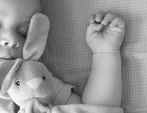 """Sociale, pubblicato il bando """"A braccia aperte"""" per minori orfani di vittime di femminicidio"""